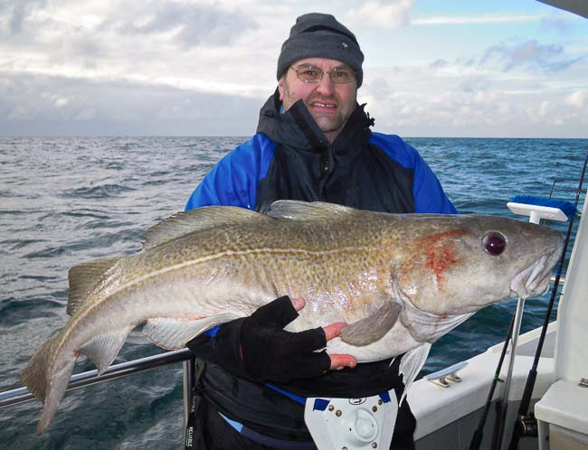30lb 4oz cod wreck fishing