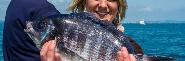 Ladies showing the men whilst Bream Fishing